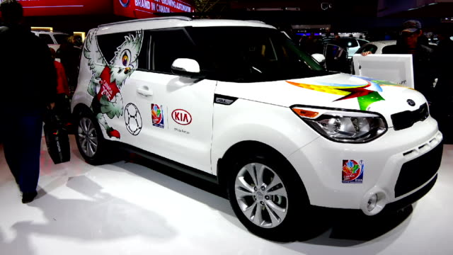 women soccer world championship decorated kia soul in the canadian international autoshow which is canada's largest automotive show held annually at... - verkaufsargument stock-videos und b-roll-filmmaterial