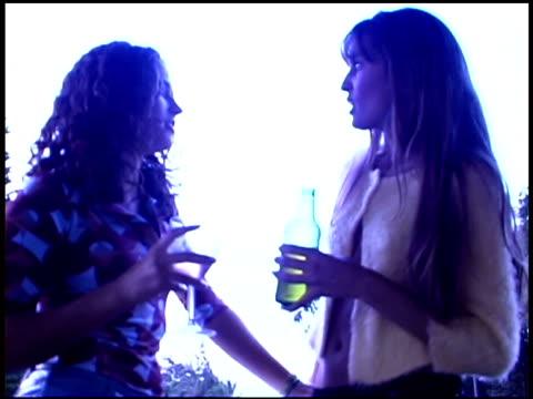women talking - endast unga kvinnor bildbanksvideor och videomaterial från bakom kulisserna