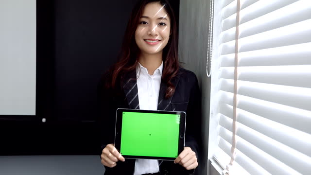 women using smartphone and tablet green screen - screen partition stock videos and b-roll footage