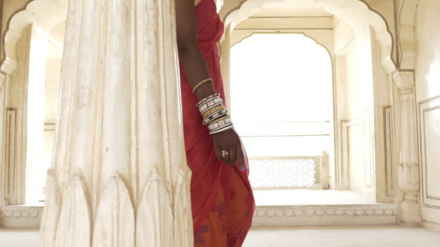 women wearing saris. jaipur. rajasthan, india. - traditional clothing stock videos & royalty-free footage