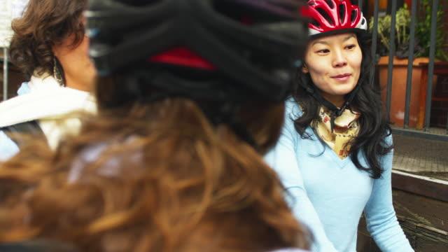ms women with bicycles / portland, oregon, usa - portland oregon bike stock videos & royalty-free footage