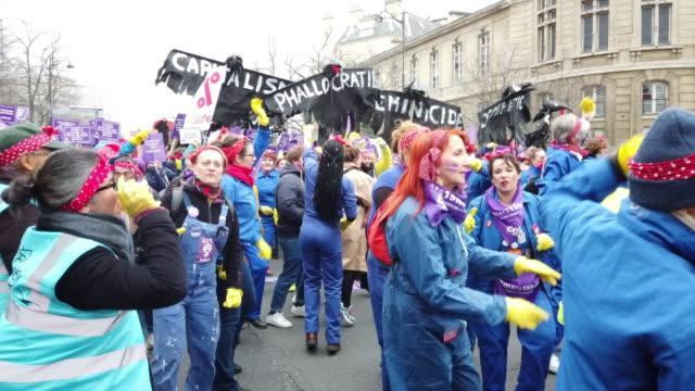 women's day on march 8, 2020 in paris, france. - internationaler frauentag stock-videos und b-roll-filmmaterial
