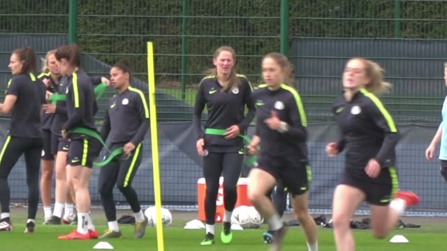 women's fa cup final west ham preparations england manchester ext various shots of manchester city women's football team at football training session - football team stock videos & royalty-free footage