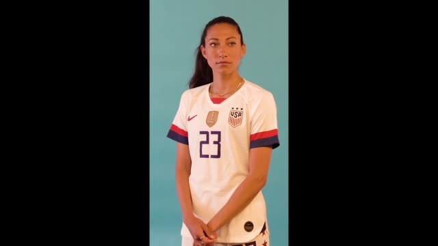 women's world cup usa team portrait session (vertical footage by thomas bolwell - fifa via getty images - fifa stock videos & royalty-free footage