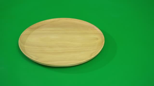 stockvideo's en b-roll-footage met houten plaat - bestek