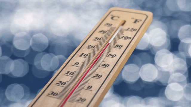 holzthermometer - thermometer stock-videos und b-roll-filmmaterial