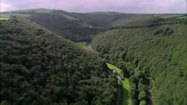 stockvideo's en b-roll-footage met wooded valley at pentre morgan - valley