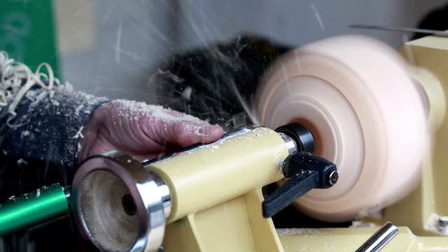 stockvideo's en b-roll-footage met wooden working - werkende bejaarden