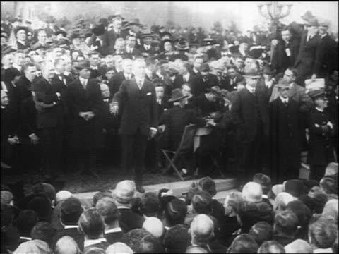 vídeos y material grabado en eventos de stock de woodrow wilson speaking at political rally / documentary - woodrow wilson