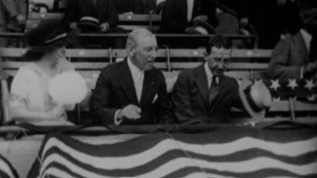 stockvideo's en b-roll-footage met woodrow wilson throwing out first pitch at world series / new york city new york usa - woodrow wilson