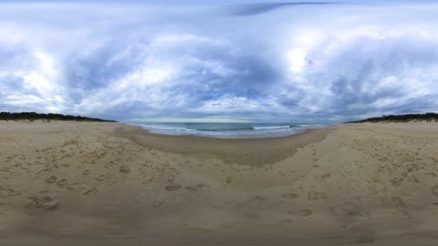 vídeos de stock e filmes b-roll de woodside beach - panorama equiretangular