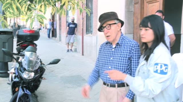 woody allen and his family after having lunch in a restaurant in madrid - woody allen stock videos & royalty-free footage