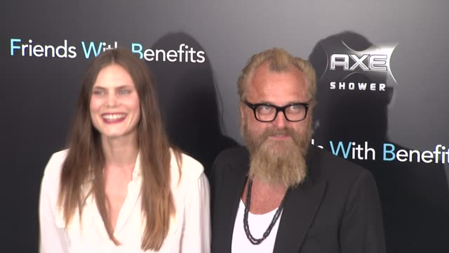 woody harrelson and guest at the 'friends with benefits' new york premiere arrivals at new york ny - woody harrelson stock-videos und b-roll-filmmaterial