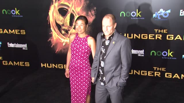 woody harrelson and laura louie at the hunger games world premiere on 3/12/2012 in los angeles ca - woody harrelson stock videos & royalty-free footage