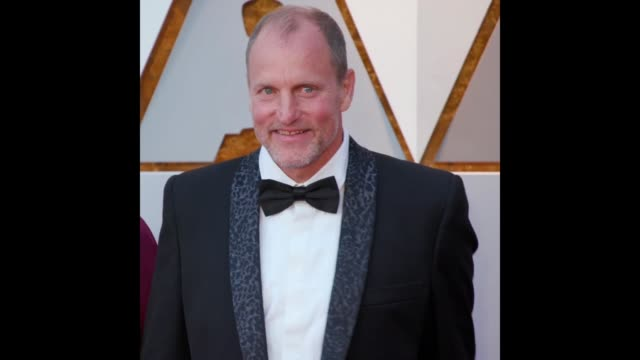 GIF Woody Harrelson at the 90th Academy Awards