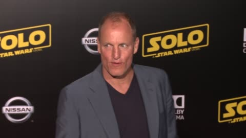 """woody harrelson at the """"solo: a star wars story"""" world premiere at the el capitan theatre on may 10, 2018 in hollywood, california. - woody harrelson stock videos & royalty-free footage"""