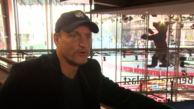 woody harrelson on george bush and the damage to the world economy by big corporations and on obama at the 59th berlin film festival the messenger... - woody harrelson stock videos & royalty-free footage