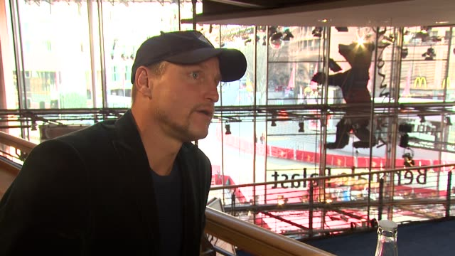 woody harrelson on his perspective of the film at the 59th berlin film festival: the messenger interview at berlin . - woody harrelson stock-videos und b-roll-filmmaterial