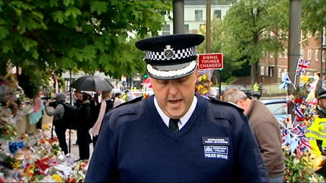 police make new appeal for information police statement england london woolwich ext commander simon letchford statement sot - 提訴点の映像素材/bロール