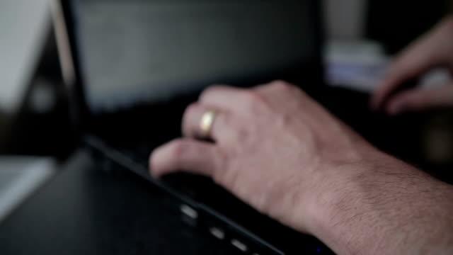 vídeos y material grabado en eventos de stock de equilibrio entre vida personal y trabajo - dispositivo de entrada