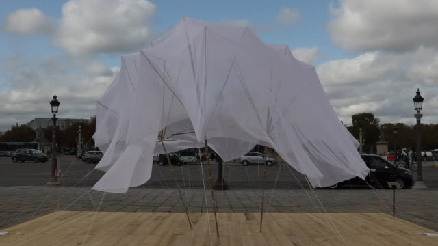 work of art by artist cecile bendixen called 'tentative spaces ' and ''tentative spaces ' is seen at the place de la concorde as part of fiac hors... - installationskunst stock-videos und b-roll-filmmaterial