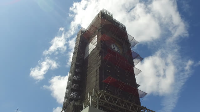 work progresses on the elizabeth tower and big ben - scaffolding stock videos & royalty-free footage
