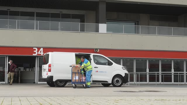 ESP: Covid-19: Madrid's Wanda Stadium Prepares Vaccination Field