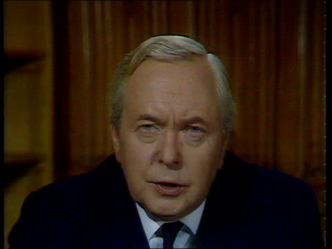 harold wilson speech england int harold wilson mp speech sot i should like to suggest to mr heath that he now sets secretary of state for employment... - harold wilson stock-videos und b-roll-filmmaterial