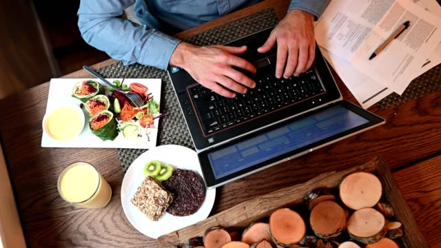 working lunch with vegan food - salad stock videos & royalty-free footage