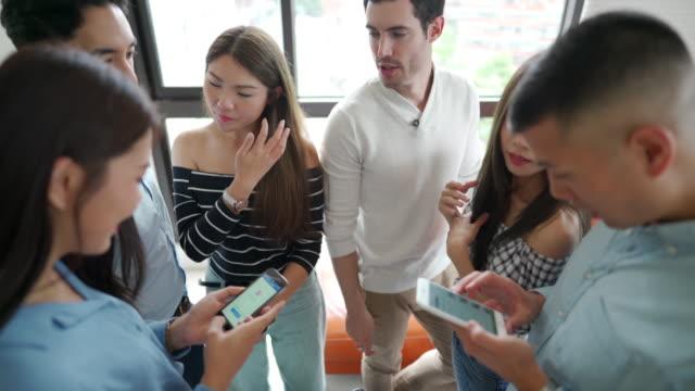vidéos et rushes de travailler ensemble pour résoudre les tâches d'apprentissage - bring your own device
