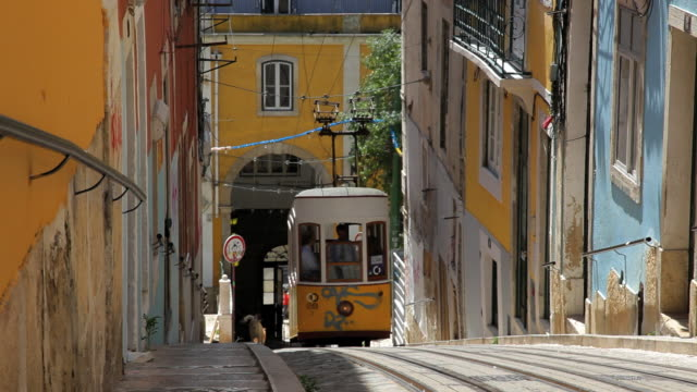 vídeos y material grabado en eventos de stock de working tramway system within the city of lisbon, portugal, europe - tram