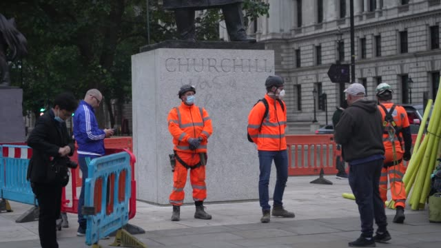 workmen erect scaffolding protection around the winston churchill statue at parliament square ahead of protests this weekend on june 11 2020 in... - statue stock videos & royalty-free footage