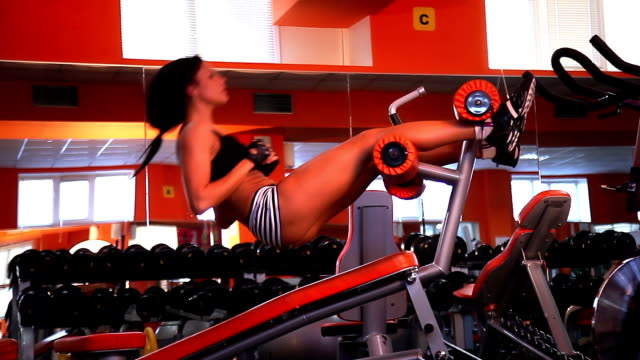 Workout on exercise machine for a press