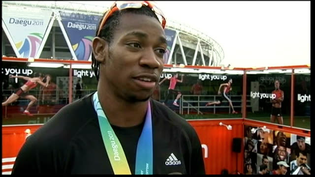 jessica ennis wins heptathlon silver ext yohan blake interview sot i think my foot moved a bit but it didn't set off the sensor / i didn't think it... - autogramm stock-videos und b-roll-filmmaterial