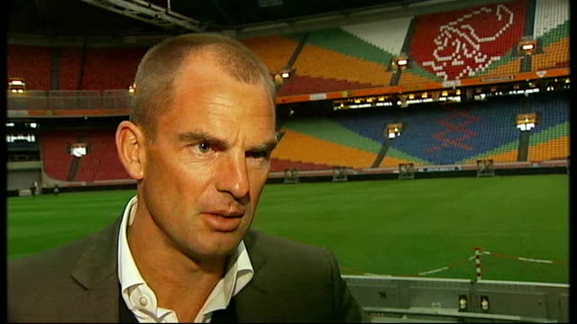 Scotland prepare to face Holland NETHERLANDS Amsterdam Amsterdam Arena EXT Ronald de Boer interview SOT Believes Arjen Robben Dirk Kuyt Huntelaar are...