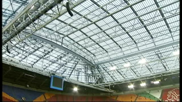 scotland prepare to face holland netherlands amsterdam amsterdam arena ext de boer interview sot dutch defence is quite solid shots of amsterdam... - fußballweltmeisterschaft 2010 stock-videos und b-roll-filmmaterial