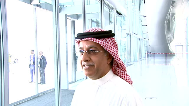vídeos de stock, filmes e b-roll de fifa taskforce meeting reactions shaikh salman bin ebrahim al khalifa interview sot / more people leaving / jerome valcke interview sot / gianni... - gianni infantino