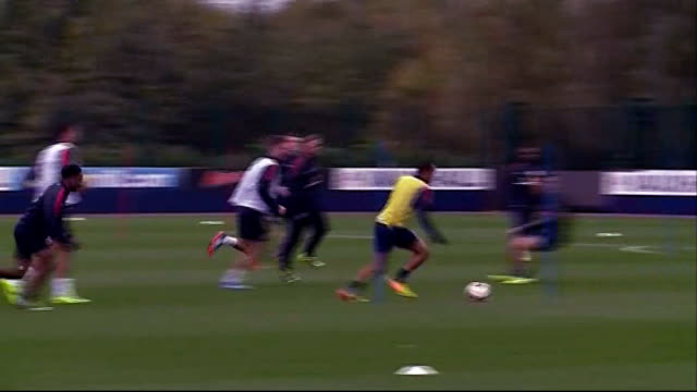 england v poland preview england ext various of the england football squad training before their decisive 2014 world cup qualifying match v poland at... - 2014年点の映像素材/bロール