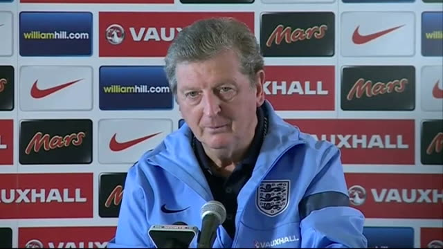 england v poland preview london tomaszewski reading newspaper tomaszewski laughing jan tomaszewski interview sot never tired about wembley 40 years... - 2014年点の映像素材/bロール
