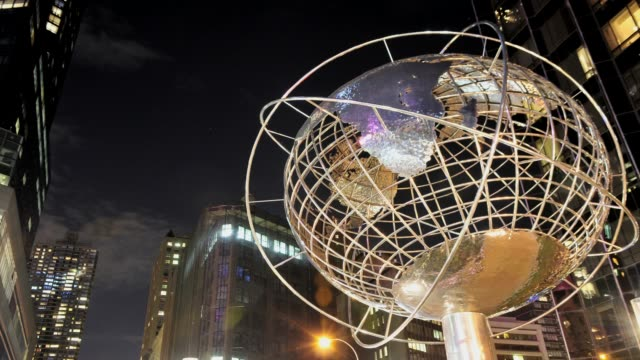 world globe unisphere design by kim brandell columbus circle upper west side manhattan broadway usa time lapse world globe manhattan new york city on... - 2013 stock-videos und b-roll-filmmaterial