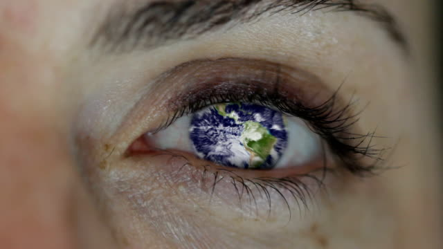 World In An Eye. HD