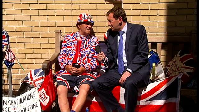 world media still awaiting royal birth; terry hutt interview sot john loughrey interview sot news crews' clocks on wall various of press... - pavement点の映像素材/bロール