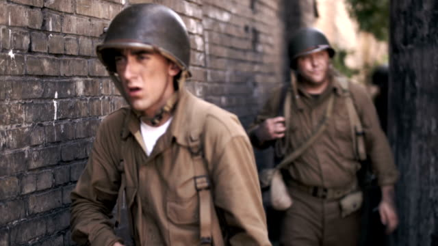 world war 2 soldiers - battlefield stock videos & royalty-free footage