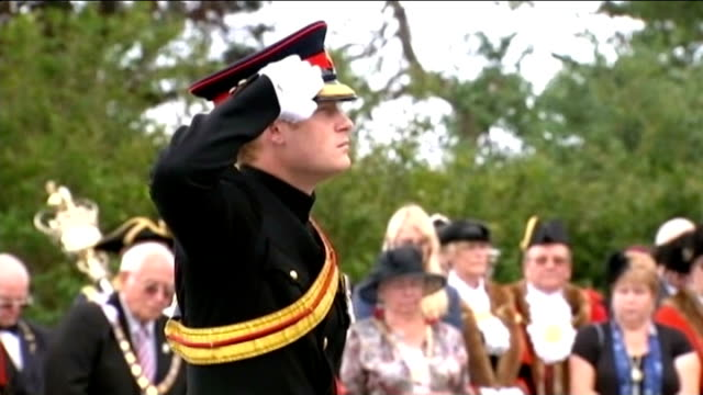 world war i centenary british memorial events england kent folkestone **music heard sot** military men playing last post on bugles prince harry... - saluting stock videos and b-roll footage