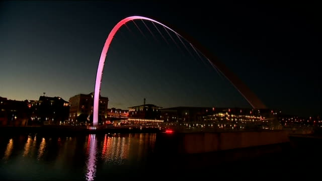 stockvideo's en b-roll-footage met world war i centenary british memorial events tyne and wear gateshead gatehead millennium bridge - tyne and wear