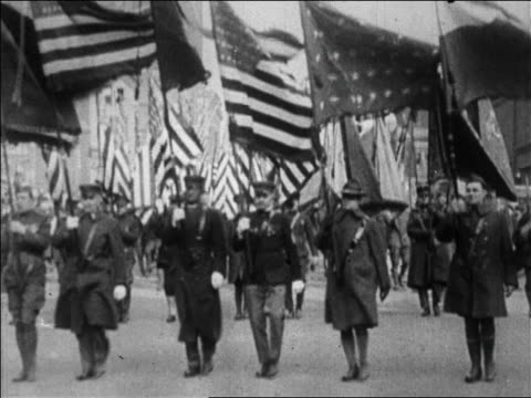 vídeos de stock, filmes e b-roll de world war i veterans marching in bonus march / brooklyn ny / newsreel - 1923