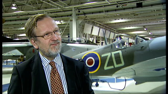 vídeos de stock e filmes b-roll de burma spitfire dig team interviews and cutaways london hendon raf museum int peter elliott interview sot depends on condition if they are uncovered... - good condition