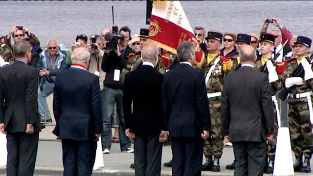 dunkirk 70th anniversary service on dunkirk beach prince michael of kent along with others / prince michael of kent inspecting soldiers - prinz michael von kent stock-videos und b-roll-filmmaterial