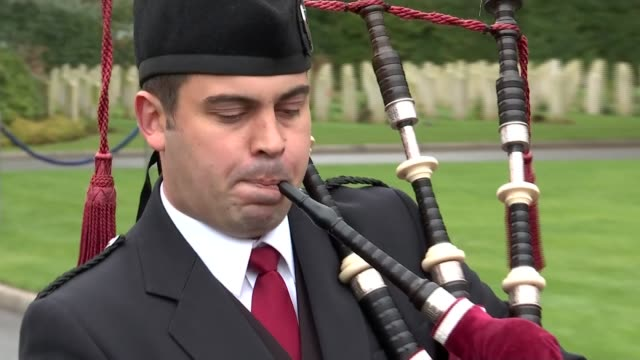 world war one memorial gvs duke of kent at ceremony military bagpipes player along playing bagpipes / soldiers marching and on parade at ceremony - bagpipes stock videos & royalty-free footage