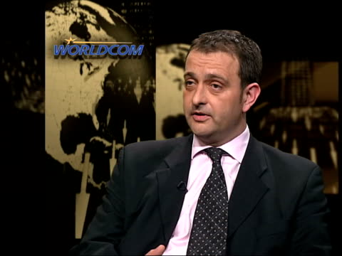 confidence effects; itn int jonathan saville interview sot - lot of pressure on managers to deliver high margins of profit and keep revenues growing/... - worldcom stock-videos und b-roll-filmmaterial